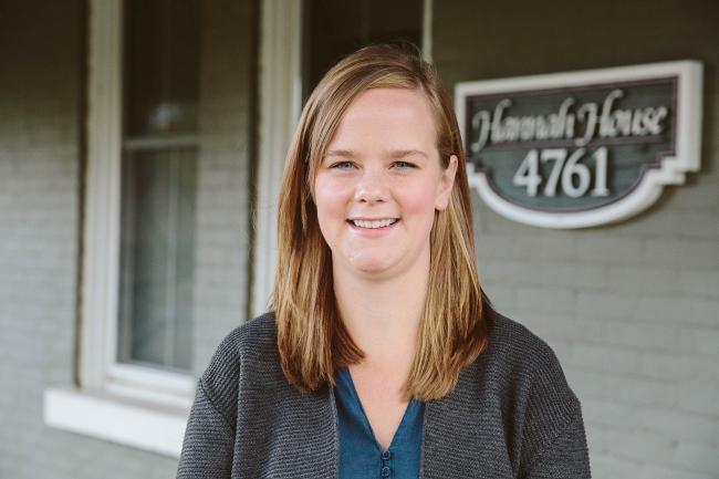Hannah House Staff Photos Made By Frame 9