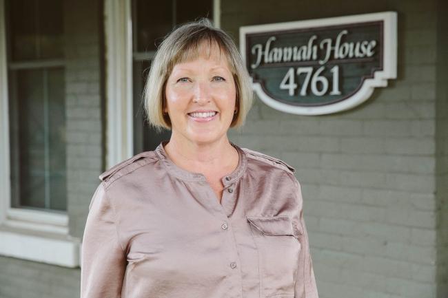 Hannah House Staff Photos Made By Frame 11