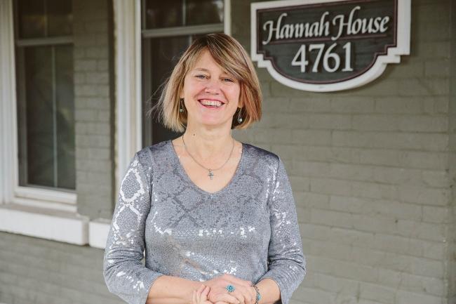 Hannah House Staff Photos Made By Frame 12
